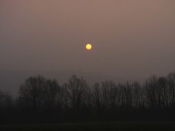 Eerie sunrise over Queaux