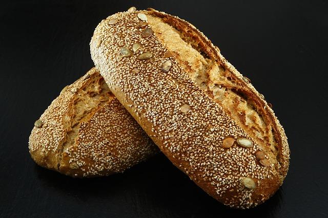 bread-1643951_640